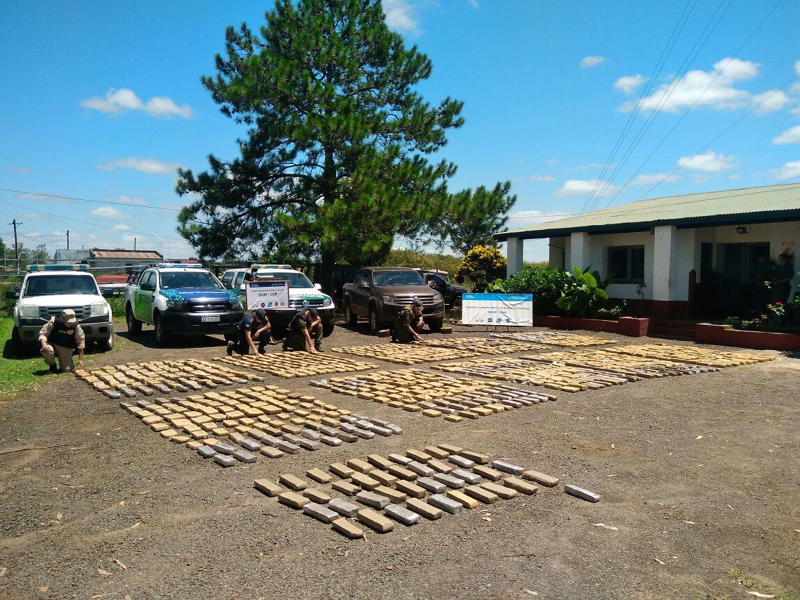 Secuestran 750 kilos de marihuana ocultos en la parte trasera de una camioneta