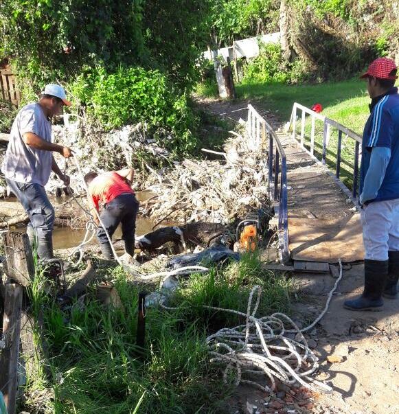 La Municipalidad continúa con la limpieza integral en todos los barrios de la ciudad