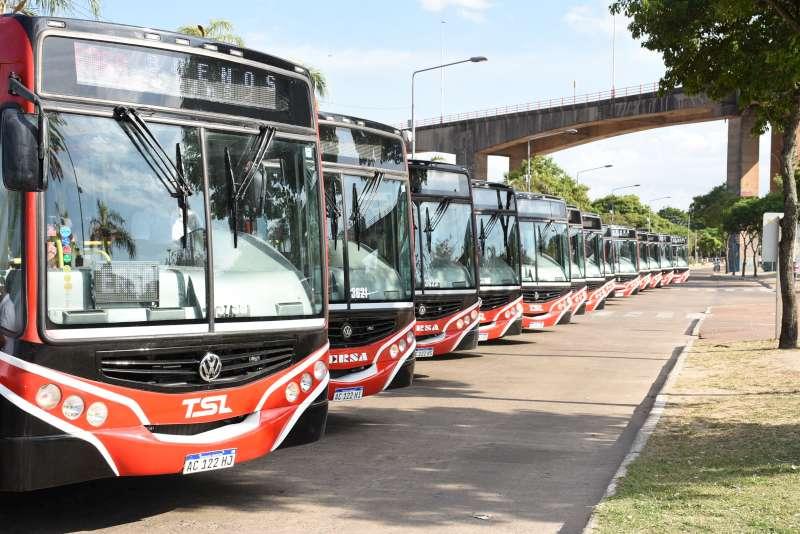 Se presentaron 20 nuevas unidades que se incorporarán al sistema de transporte público