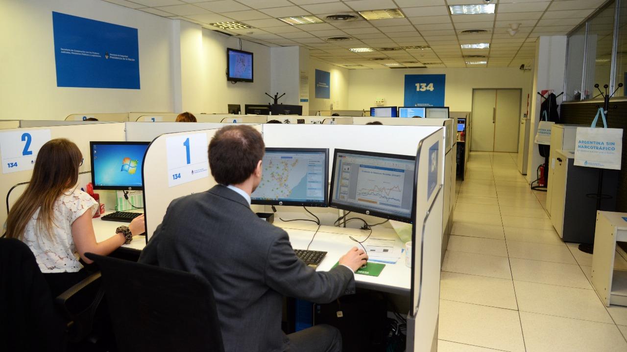 Bullrich presentó la línea telefónica 134, un canal seguro y anónimo