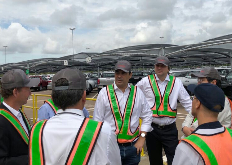 El gobernador Valdés visitó una planta de Toyota en  Brasil y gestiona instalar una similar en Corrientes
