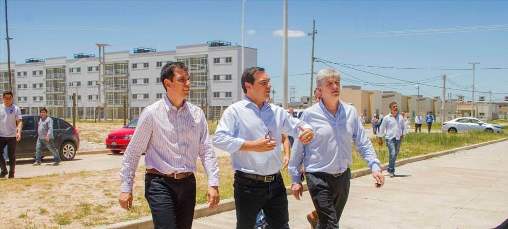 """Valdés en Santa Catalina. """"Estamos trabajando para entregar las viviendas lo antes posible"""""""