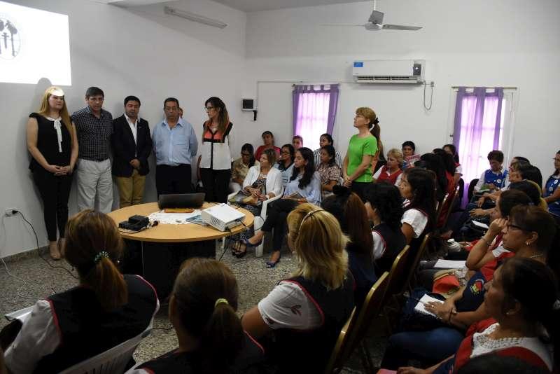 La Municipalidad inició una capacitación para docentes de los Mitaí Roga