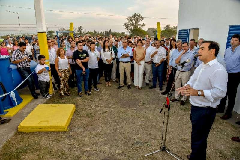 El gobernador Valdés inauguró ampliación de una Estación de Bombeo y la calle Piragine