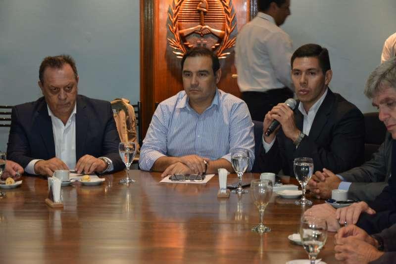 El ministro Santos anunció una inversión de 150 millones de pesos en obras
