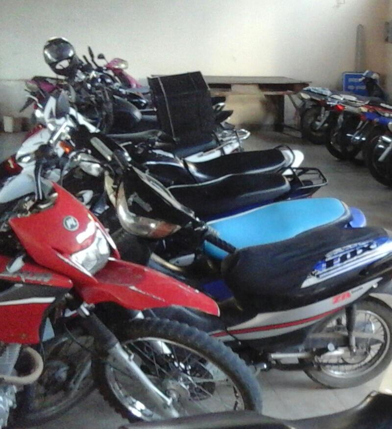 Secuestran 7 motocicletas y demoran 7 personas