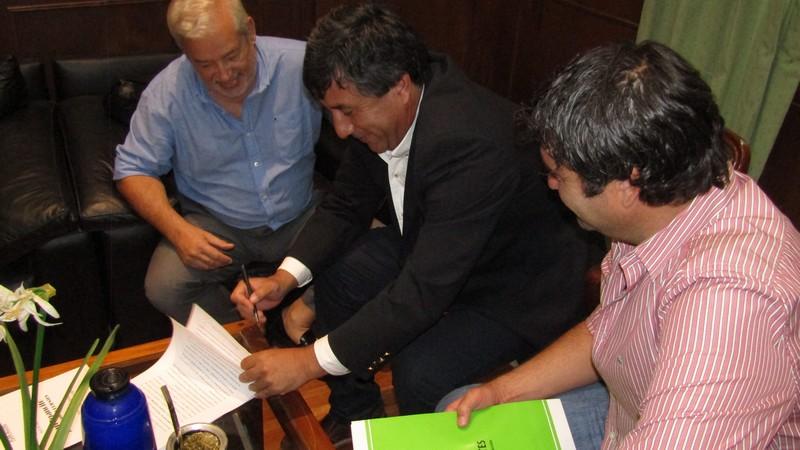 Convenios de colaboración para garantizar y fortalecer la provisión de agua en Empedrado