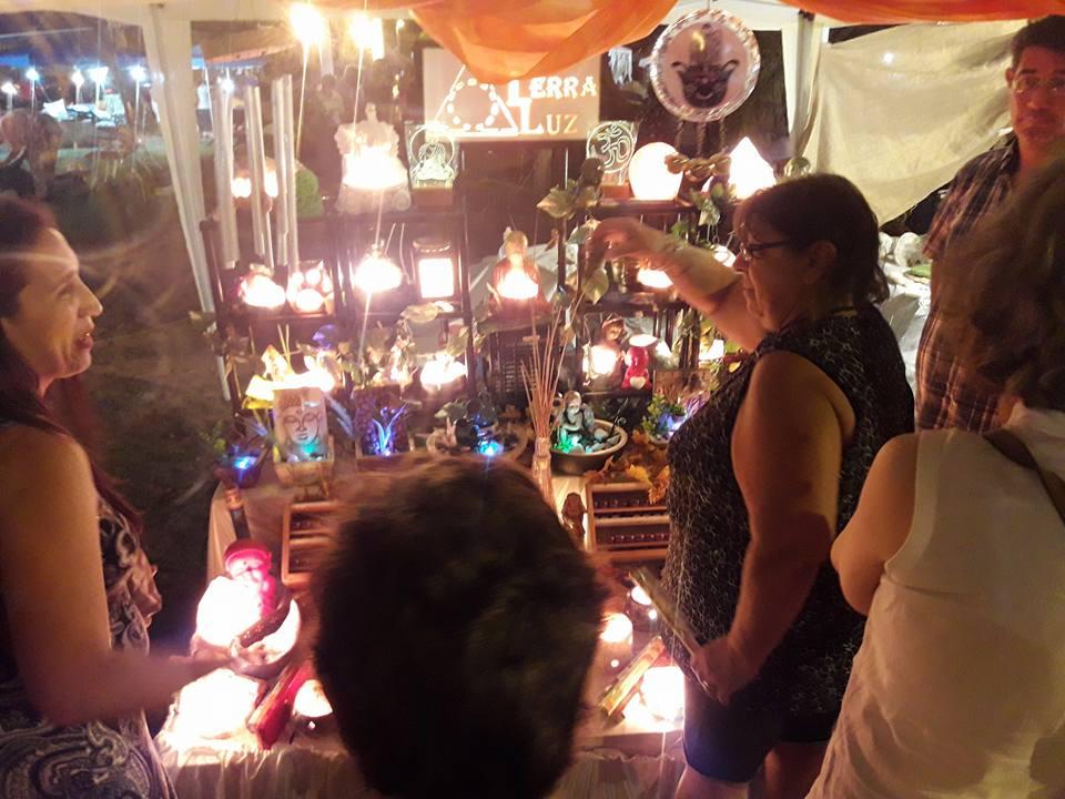 Feria de Artesanos en el Paseo Arazaty