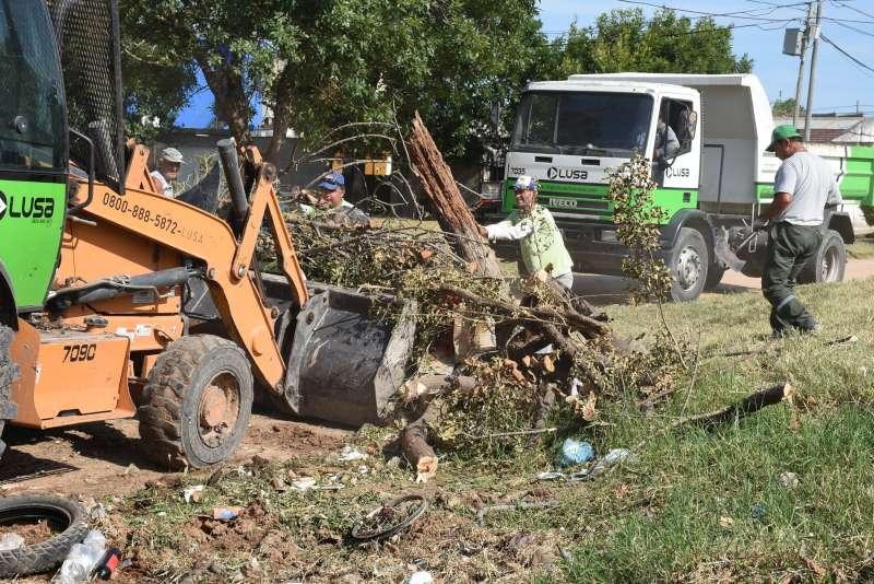 Distintas áreas  municipales realizaron el décimo operativo de descacharrado en la ciudad