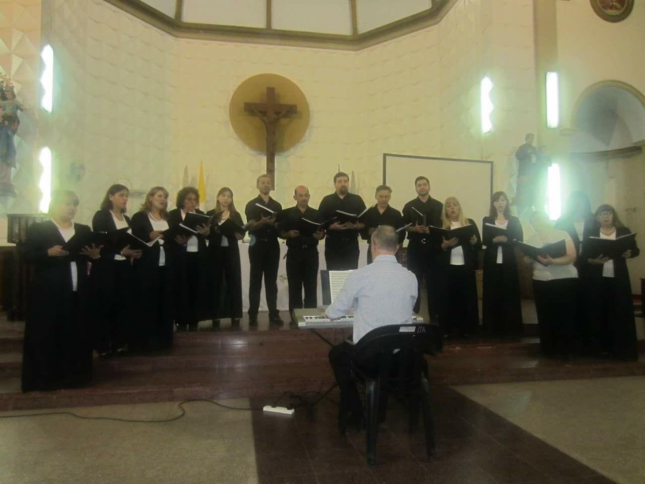 """El coro """"Les Amis"""" brindará un concierto en Iglesia Jesús Nazareno"""