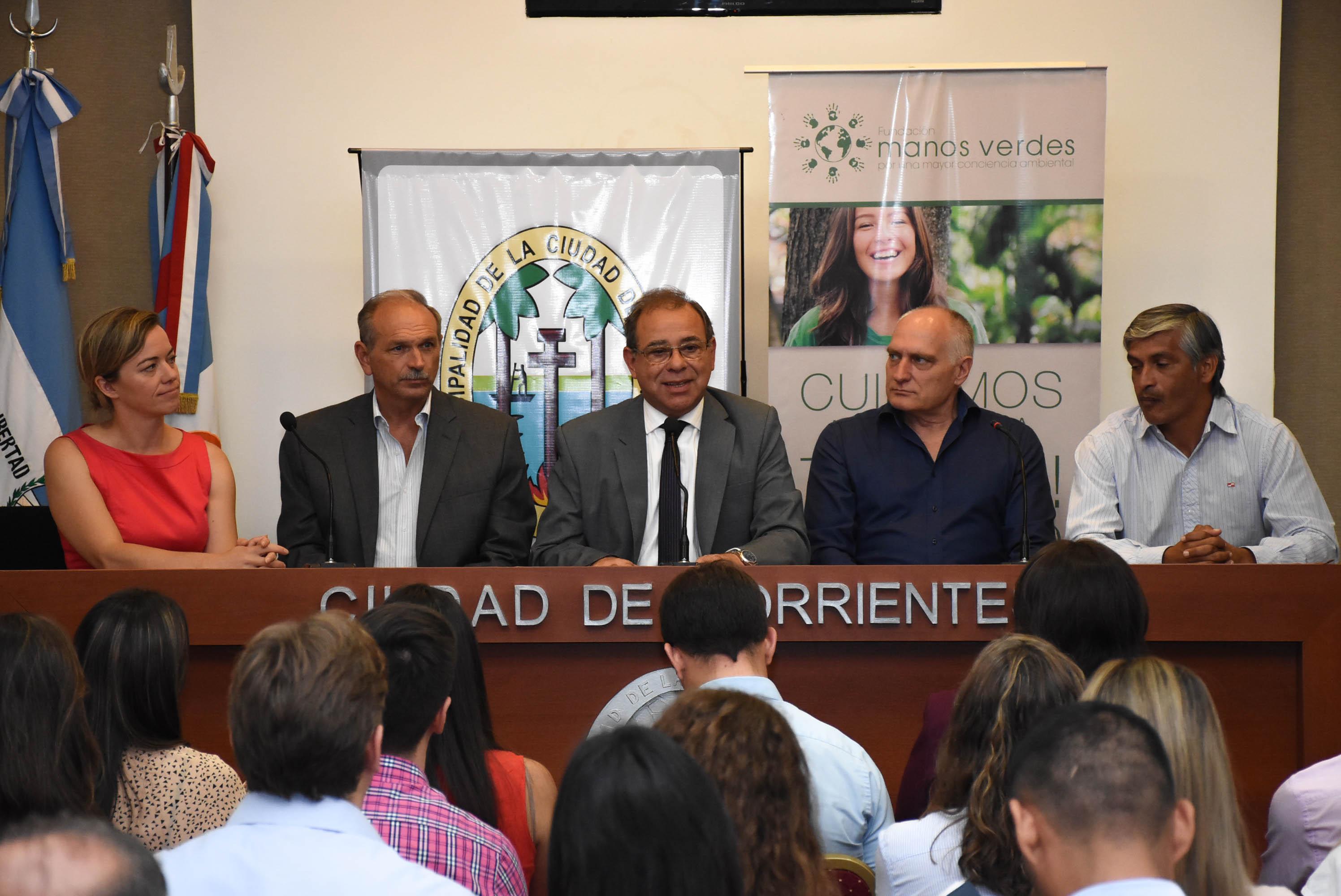 La Municipalidad firmó un convenio con la fundación Manos Verdes para el cuidado del medio ambiente