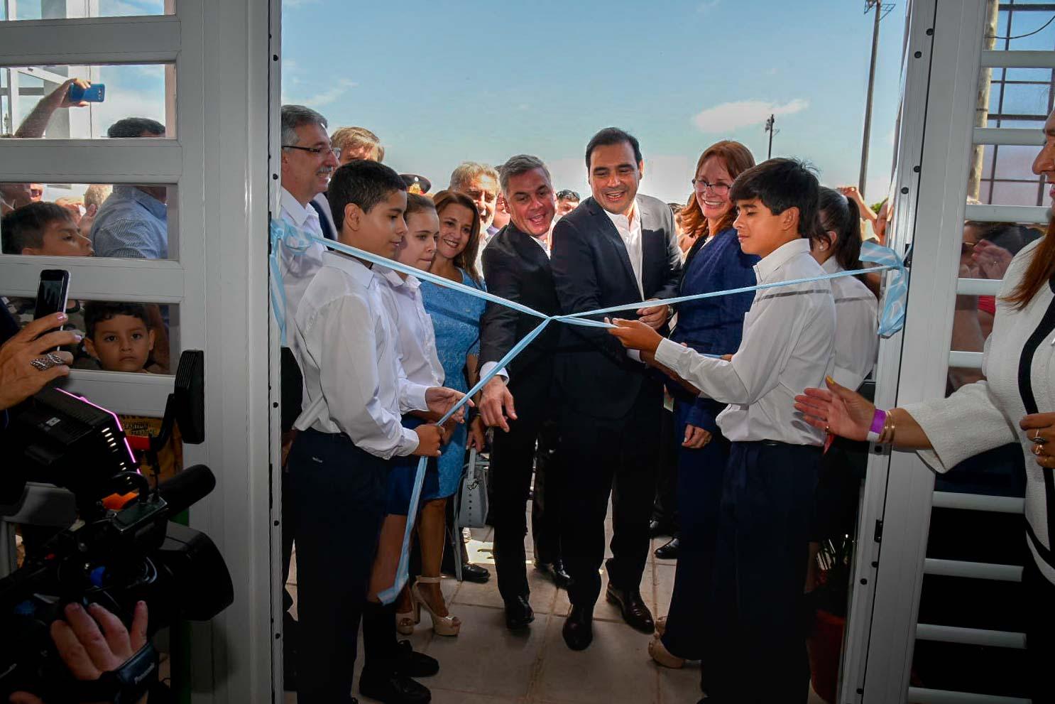 El gobernador Gustavo Valdés inauguró la  Escuela Secundaria del Barrio Norte en Bella Vista