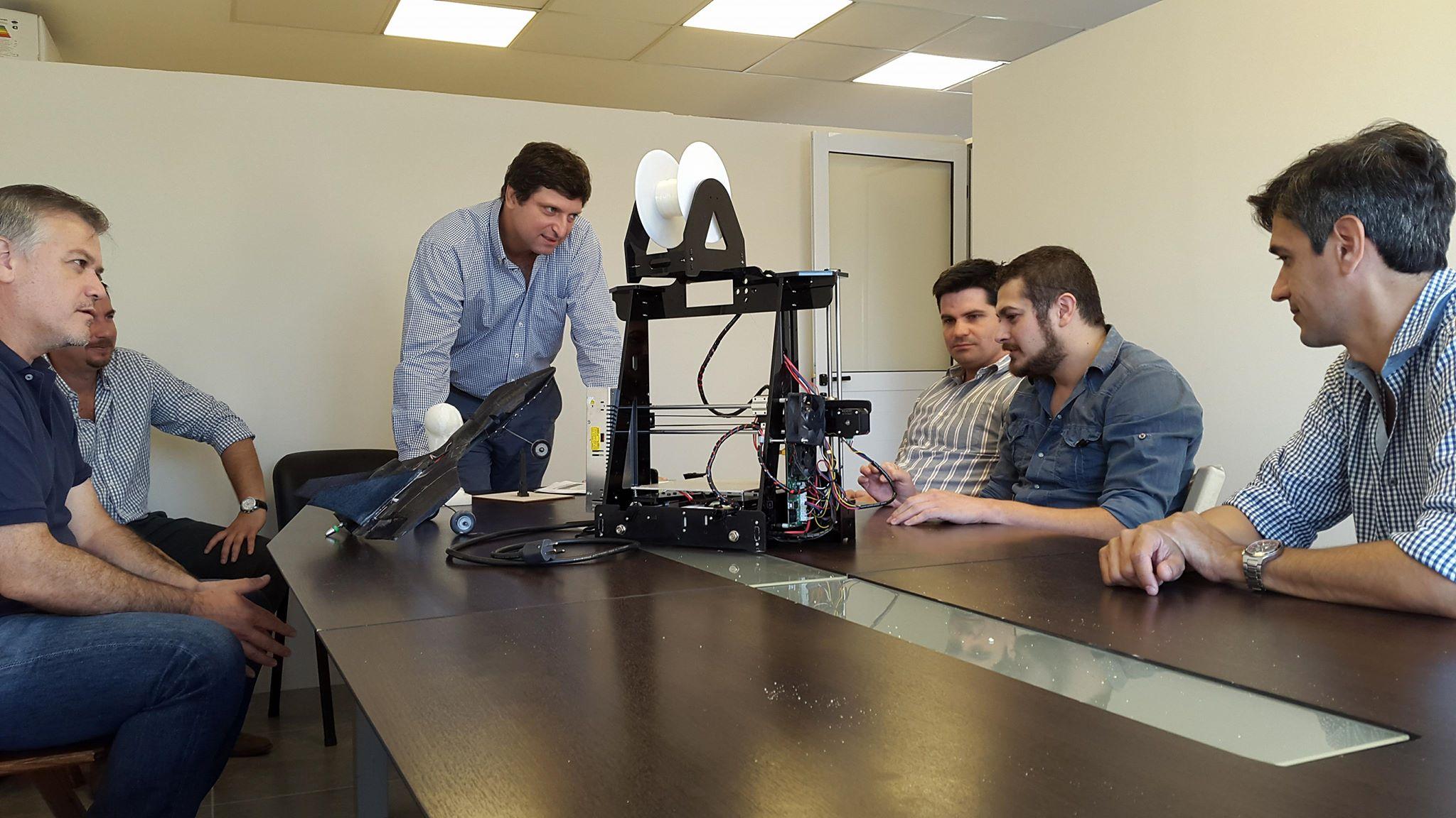 """Neri 3D, un emprendimiento correntino que sueña con una """"revolución industrial"""""""