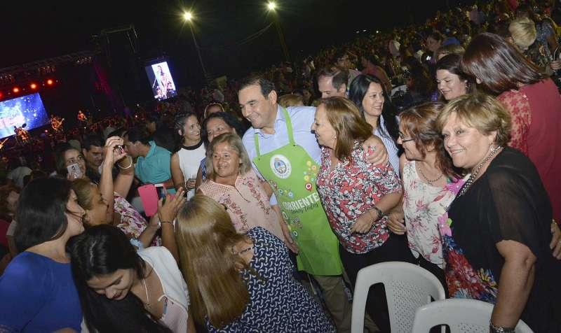 El gobernador Gustavo Valdés homenajeó a las mujeres