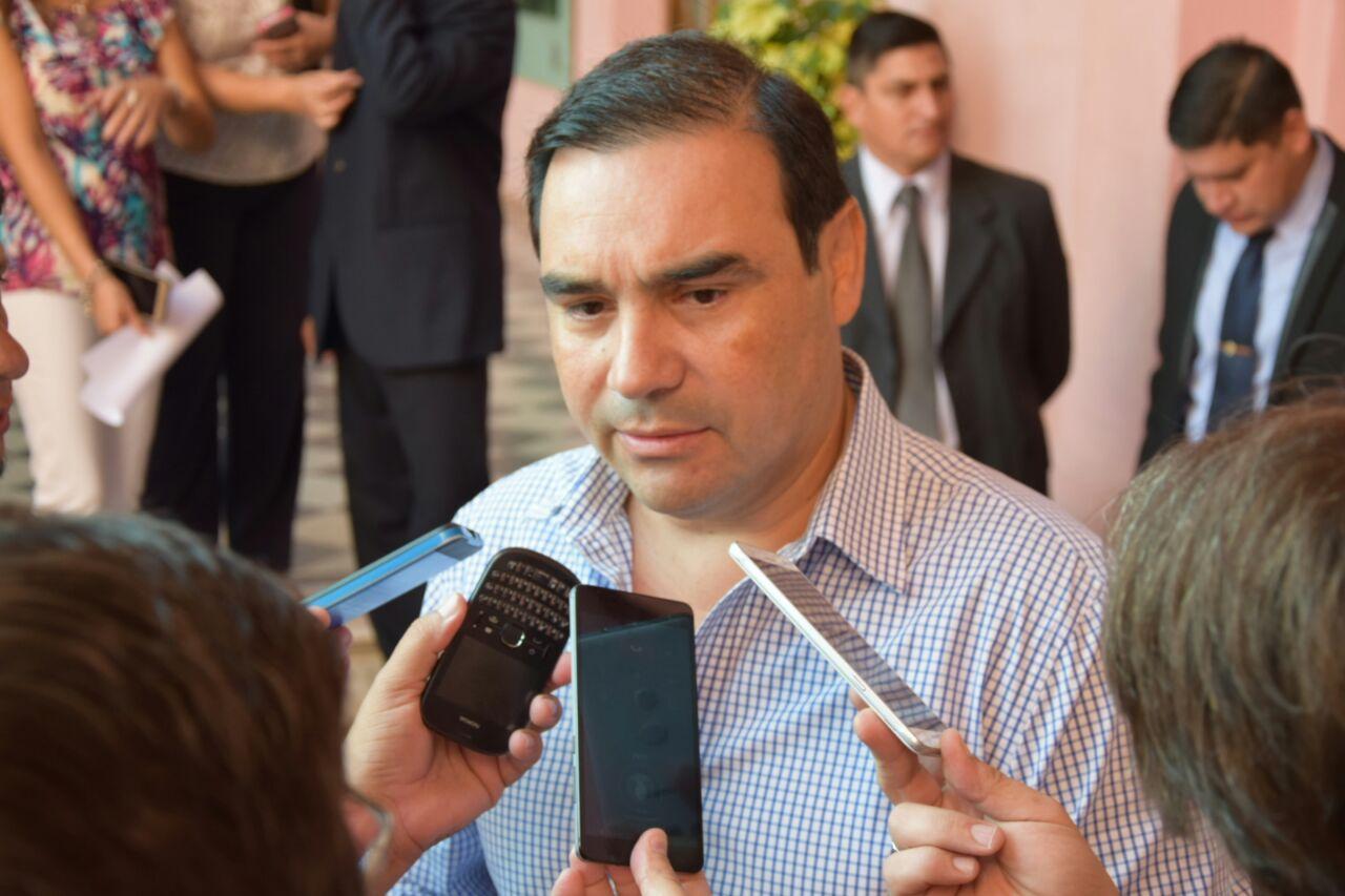 El Gobernador se refirió a diversos temas del ámbito educativo y salarial