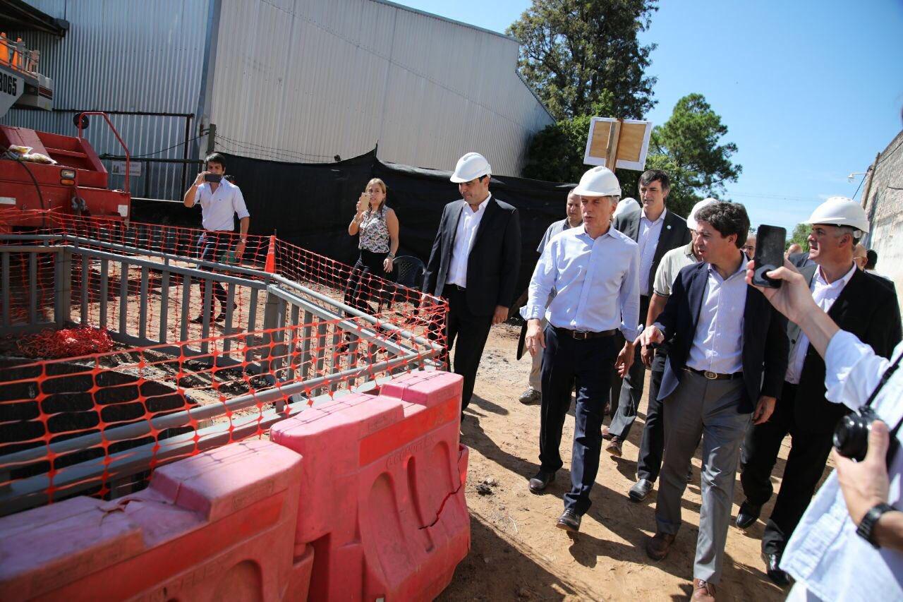 Macri y Valdés recorrieron obras pluviales que pondrán fin a las inundaciones en Bella Vista