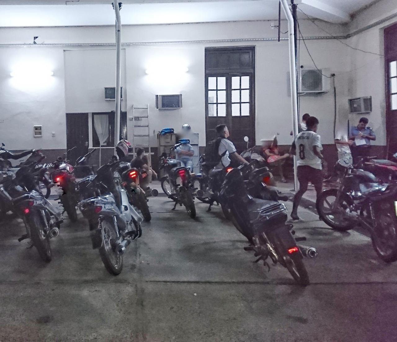 Motocicletas secuestradas y personas demoradas durante operativos de contralor