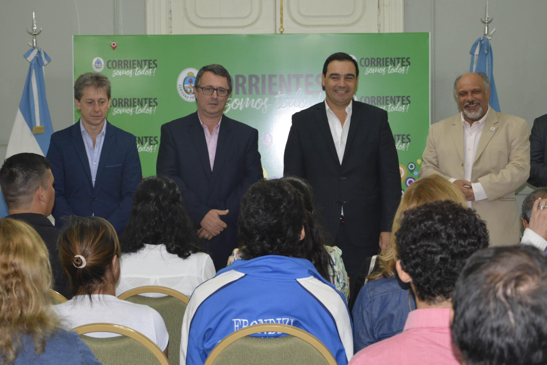 Valdés encabezó la entrega de subsidios a deportistas y entidades sociales