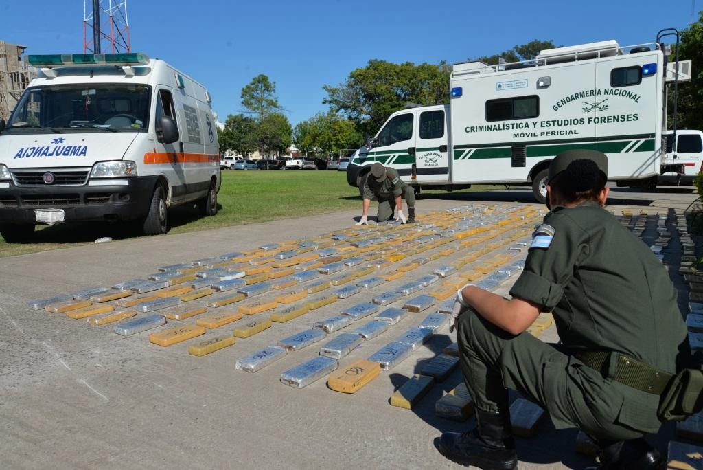"""""""S.O.S Narco ambulancia"""": secuestran 400 kilos de marihuana que trasladaban simulados entre elementos de atención médica"""