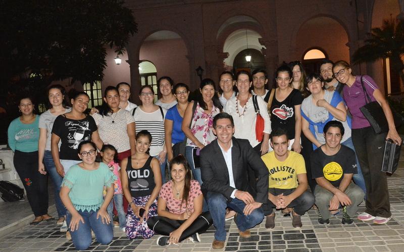 Alumnos del Instituto Llano recorrieron Casa de Gobierno