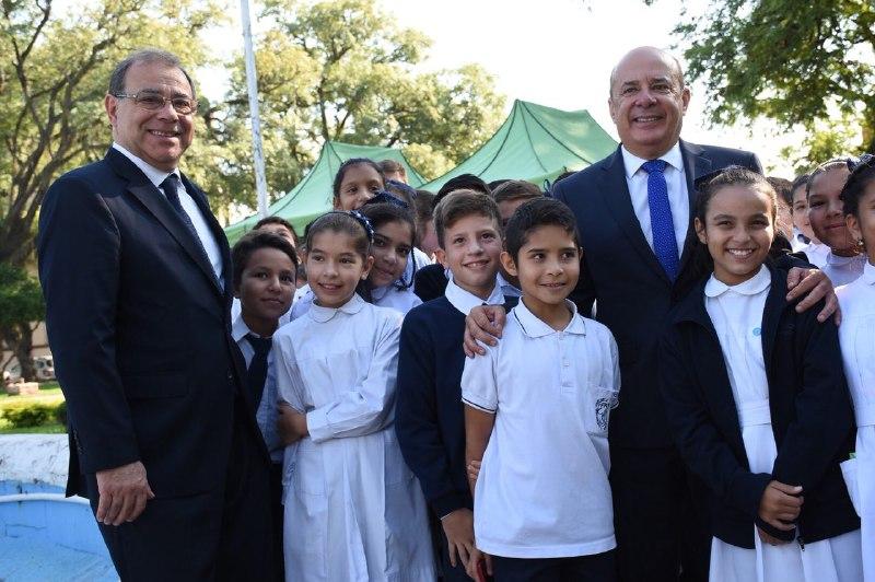 El vicegobernador y el intendente participaron de las visitas guiadas en la plaza Mayo