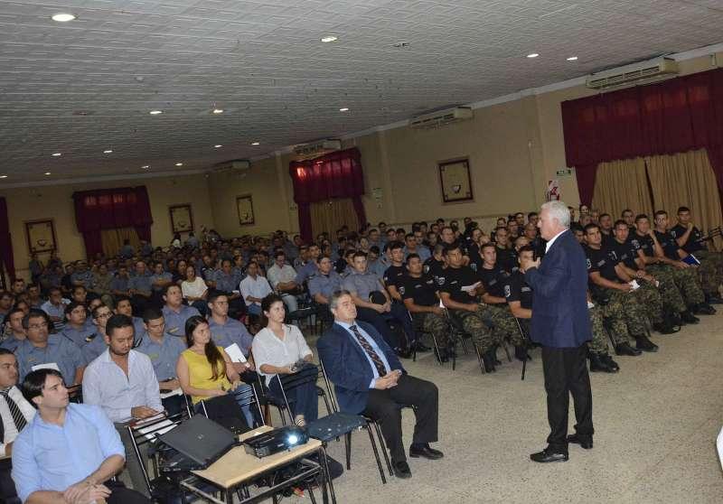 El Poder Judicial capacitó a más de 450 efectivos de la Policía de Corrientes