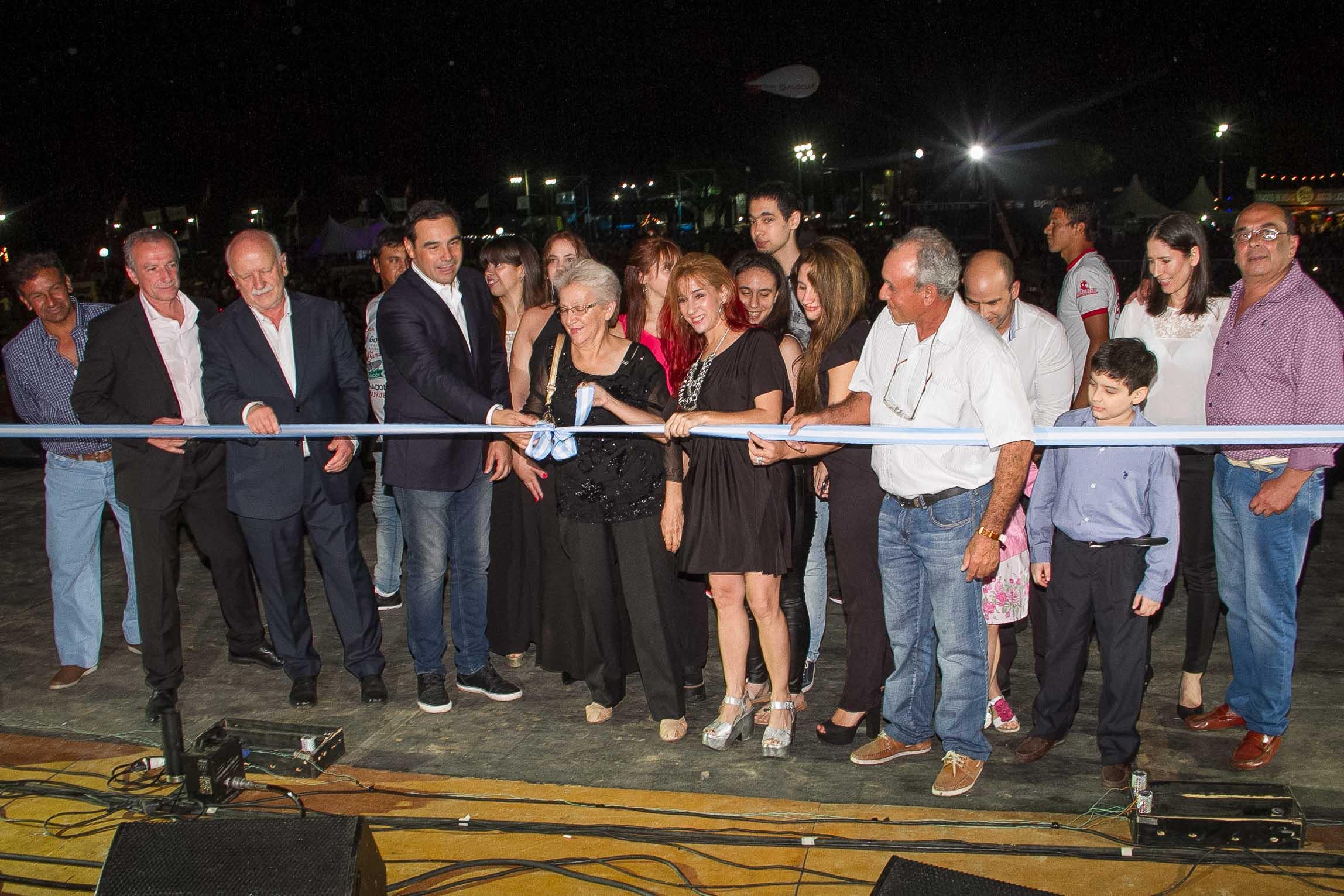 Valdés inauguró la 43° Fiesta Nacional de la Pesca del Surubí  con un mensaje de apoyo al turismo y al esfuerzo conjunto