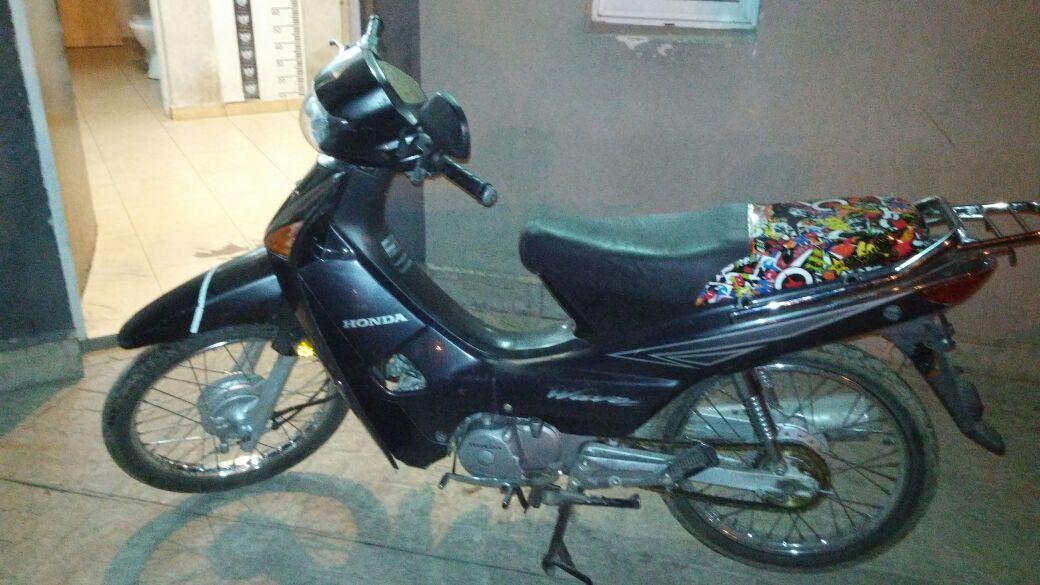 Recuperan una motocicleta al poco tiempo de ser sustraída