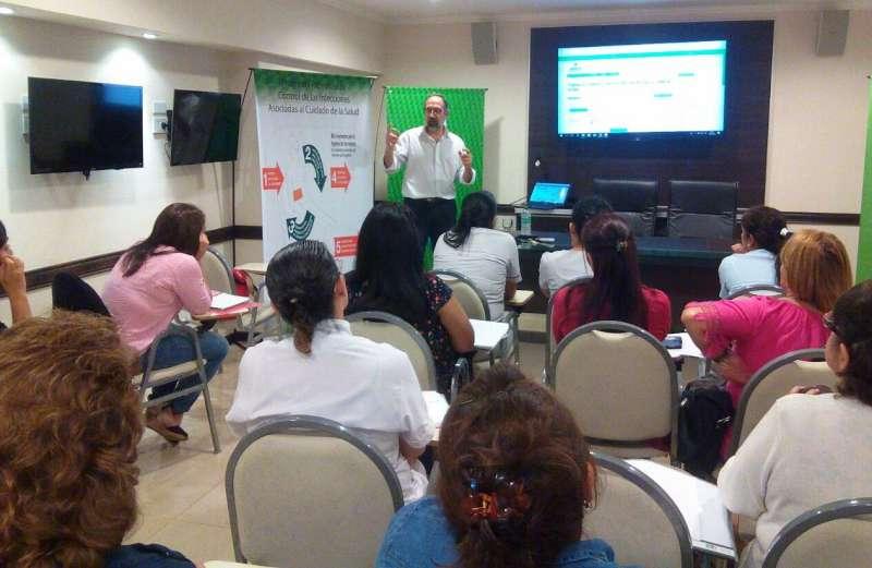 Planifican actividades con referentes del Programa de Control de Infecciones