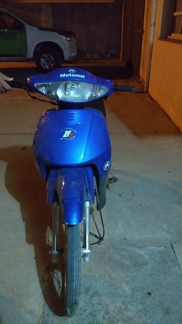 Secuestra una motocicleta relacionada a un ilícito