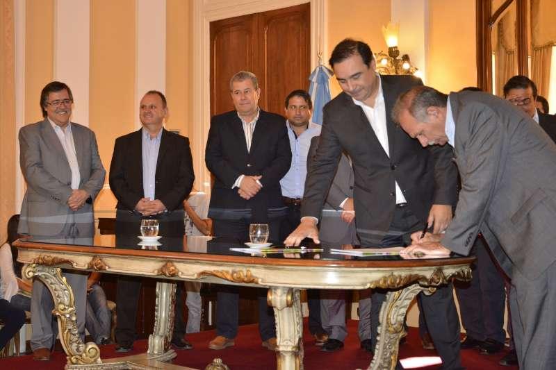La Municipalidad de Corrientes suscribió el Acuerdo de Responsabilidad Fiscal con la Provincia