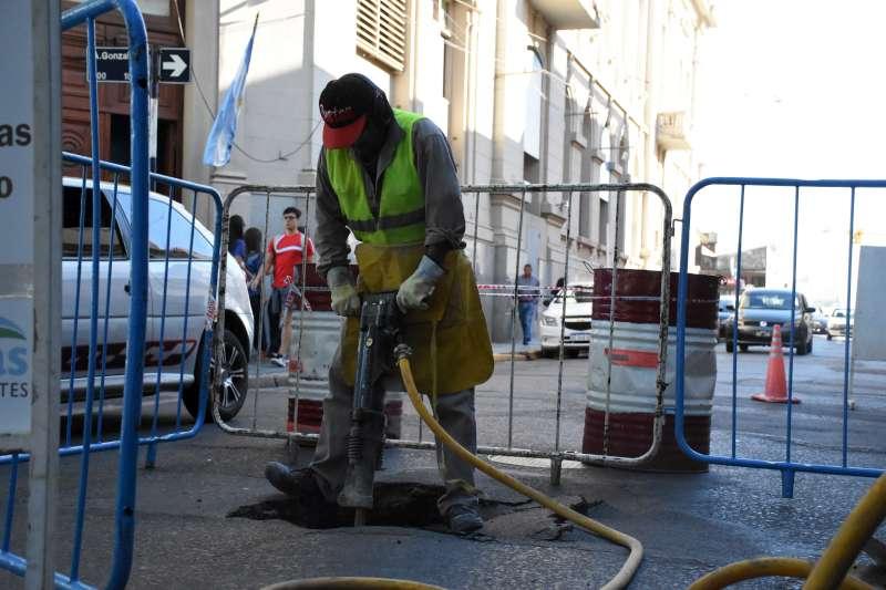 La Municipalidad coordina trabajos para solucionar el hundimiento en San Juan y Agustín González