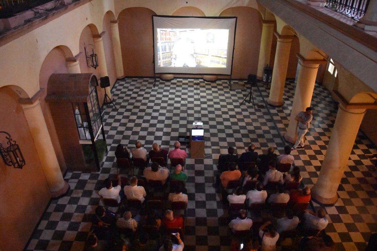 """Con gran convocatoria se estrenó este viernes el documental """"La Fundación: Aspectos Históricos"""""""