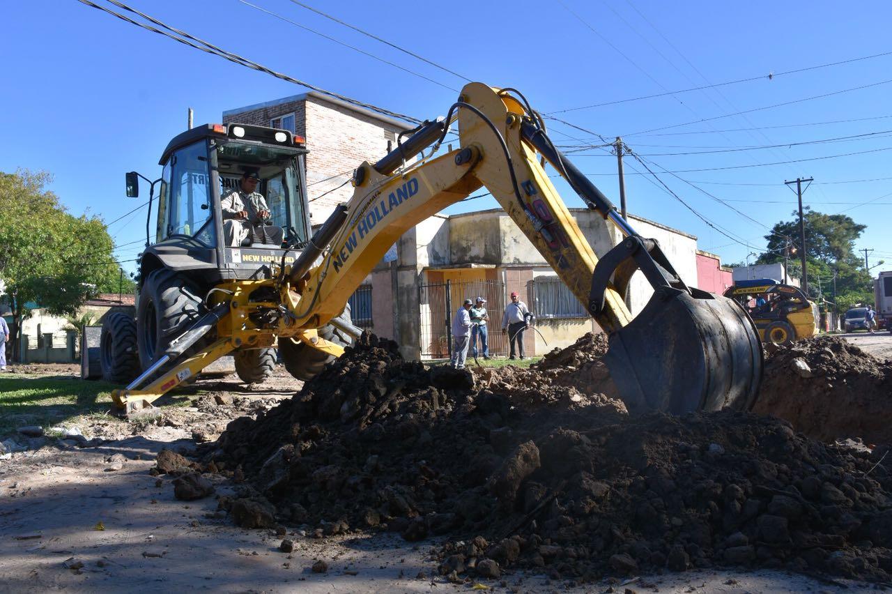 El intendente supervisó la recuperación de calles en Capital