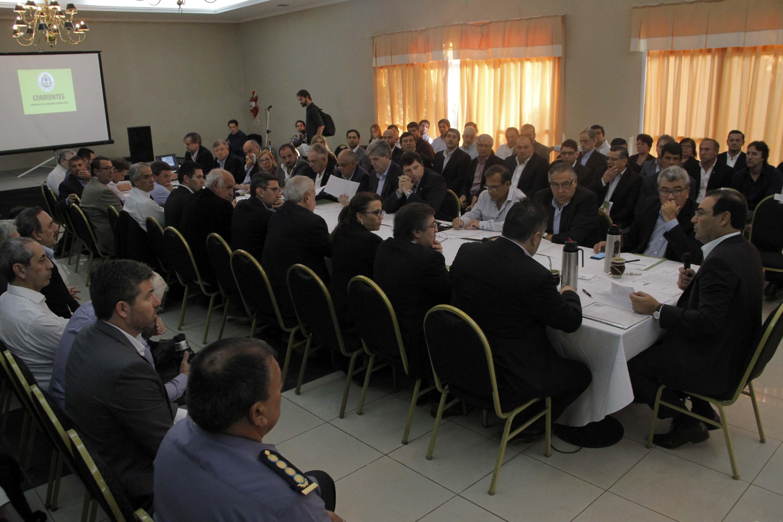 El Gobernador Valdés y su gabinete cumplen actividades en el Interior