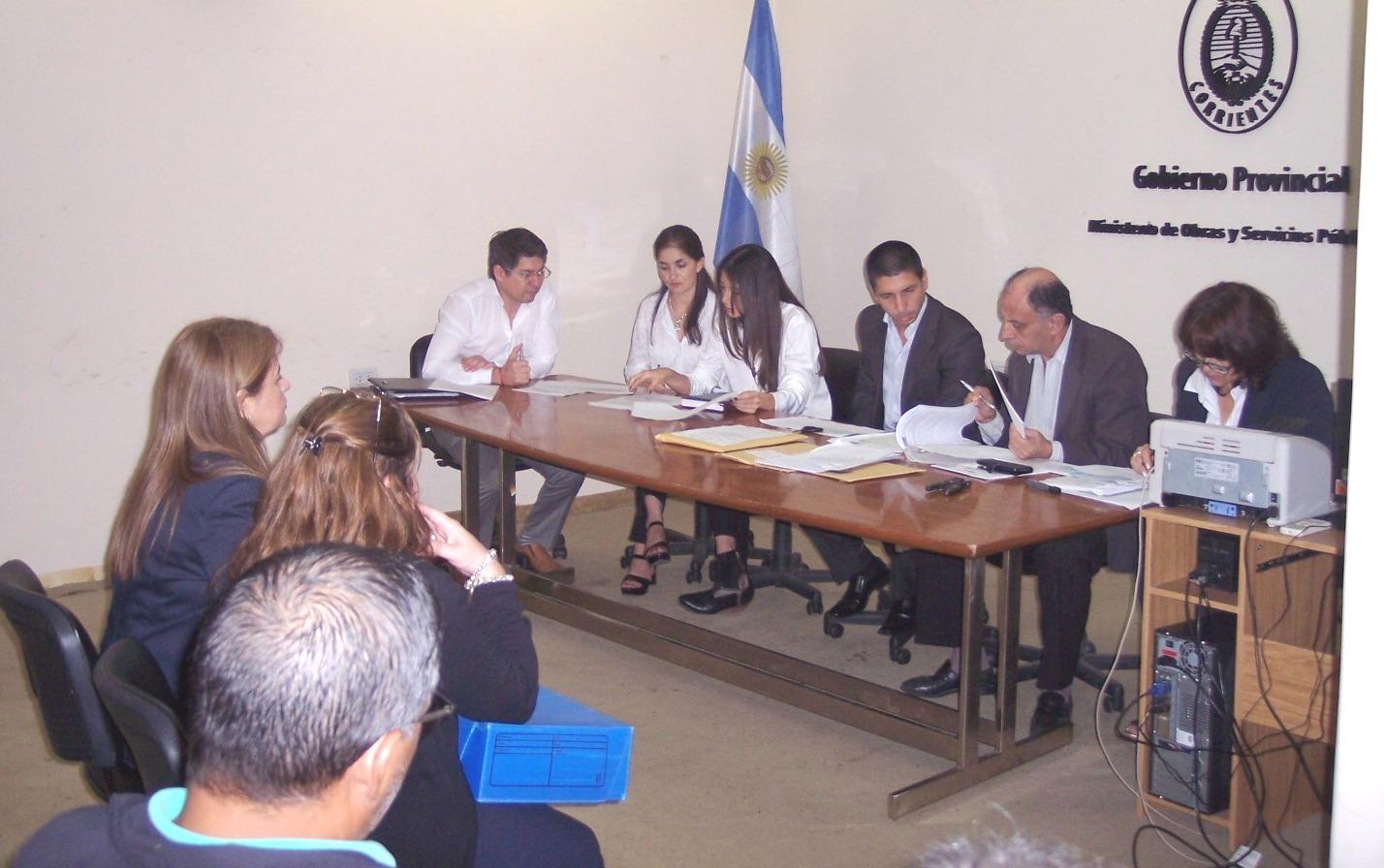 Apertura de ofertas de la licitación del servicio de remises en la Terminal de Corrientes
