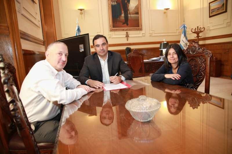 Gustavo Valdés firmó el Convenio Marco de Cooperación entre el INADI y la Provincia