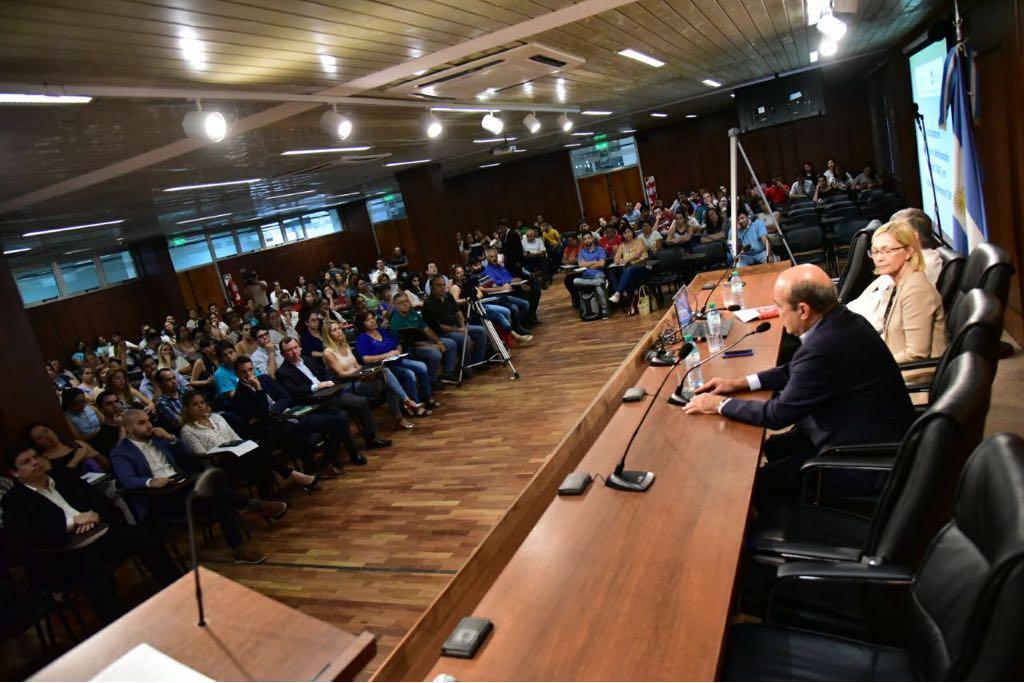 Agentes municipales iniciaron las clases de Tecnicaturas en Gestión de Administración Central y en Gestión Parlamentaria