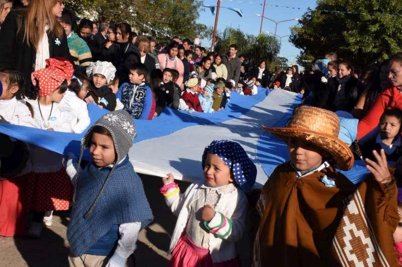 Tassano acompañó las celebraciones por el 25 de Mayo en el Dr. Montaña