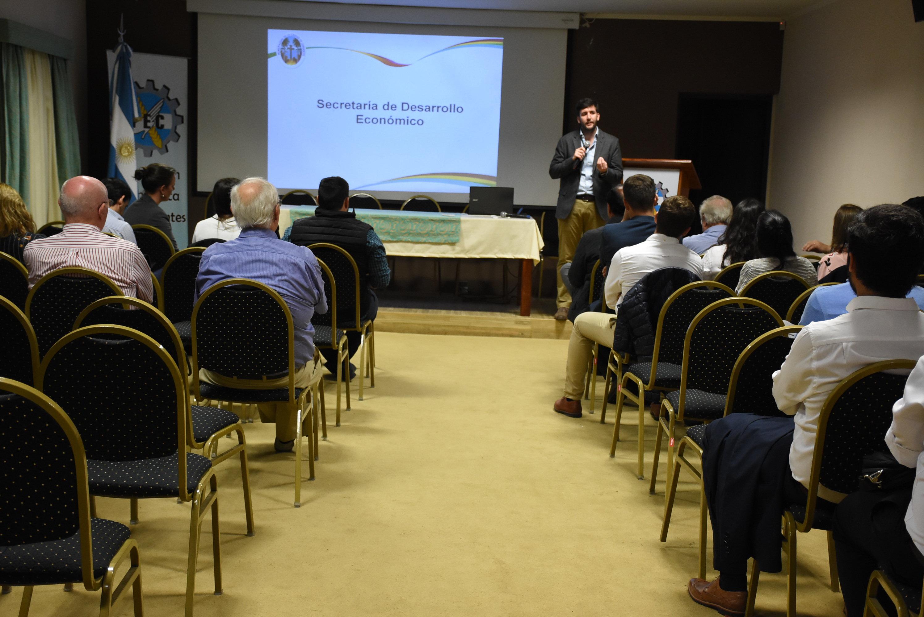 La Municipalidad presentó sus herramientas de inserción laboral para empresarios