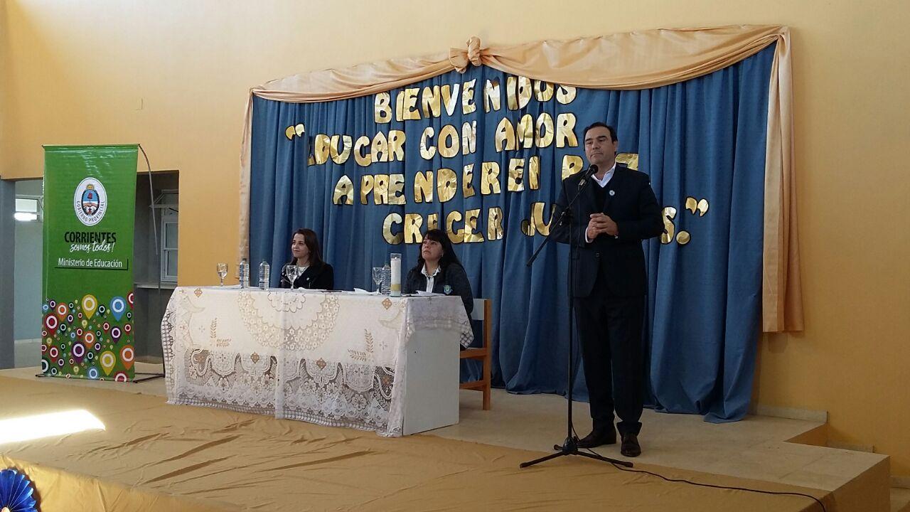 Valdés inauguró el edificio completamente a nuevo de un Colegio  Secundario en el barrio Comunicaciones de Mercedes