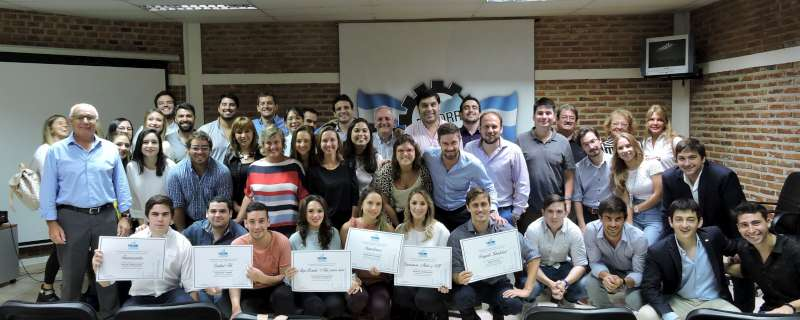 """FECORR: emprendedores locales recibieron el premio """"Joven Empresario Correntino"""""""