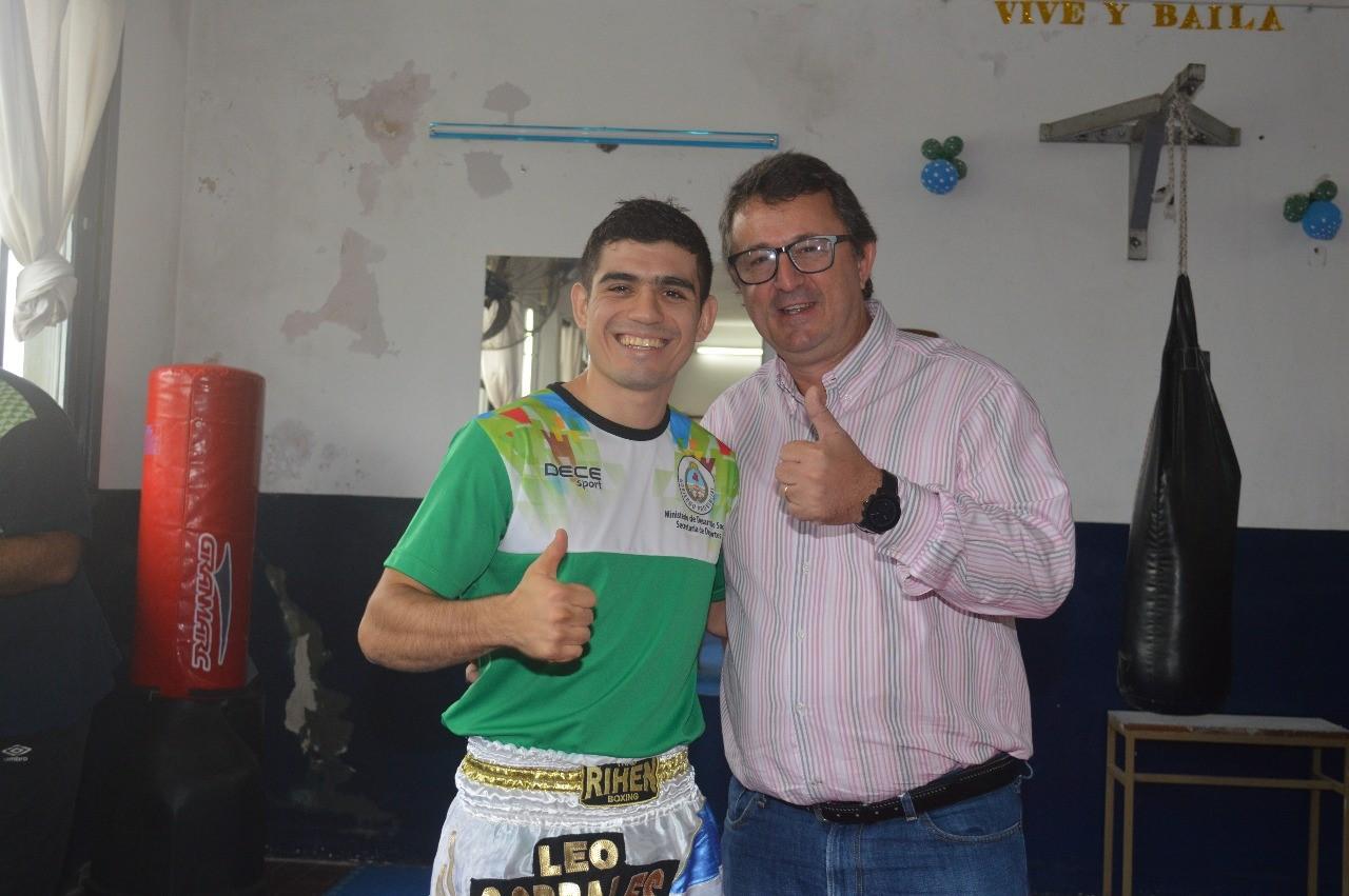 Juan Leonardo Corrales obtuvo una contundente victoria por K.O en Brasil