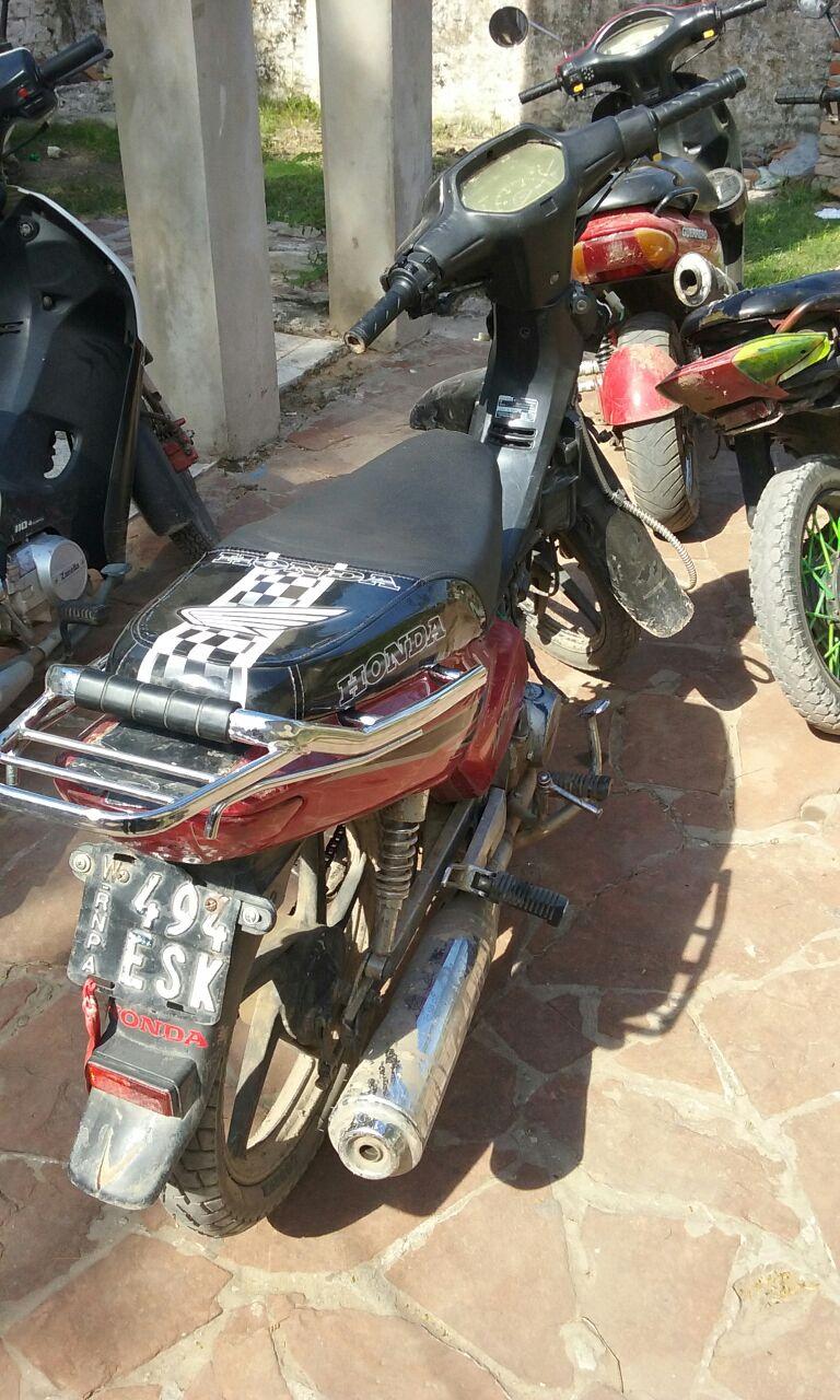 Recuperan motocicleta recientemente sustraída de un supermercado