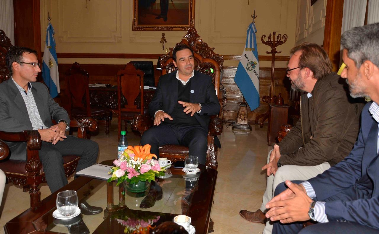 Valdés recibió a funcionario nacional y analizan  aprovechamiento de la hidrovía Paraná