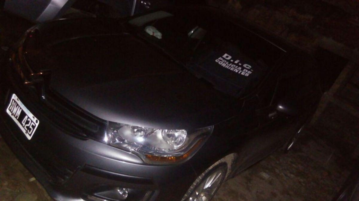 Secuestran de un automóvil con anormalidades en su documentación