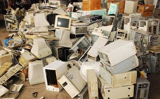 El Defensor del Pueblo propone la gestión diferenciada de la basura electrónica