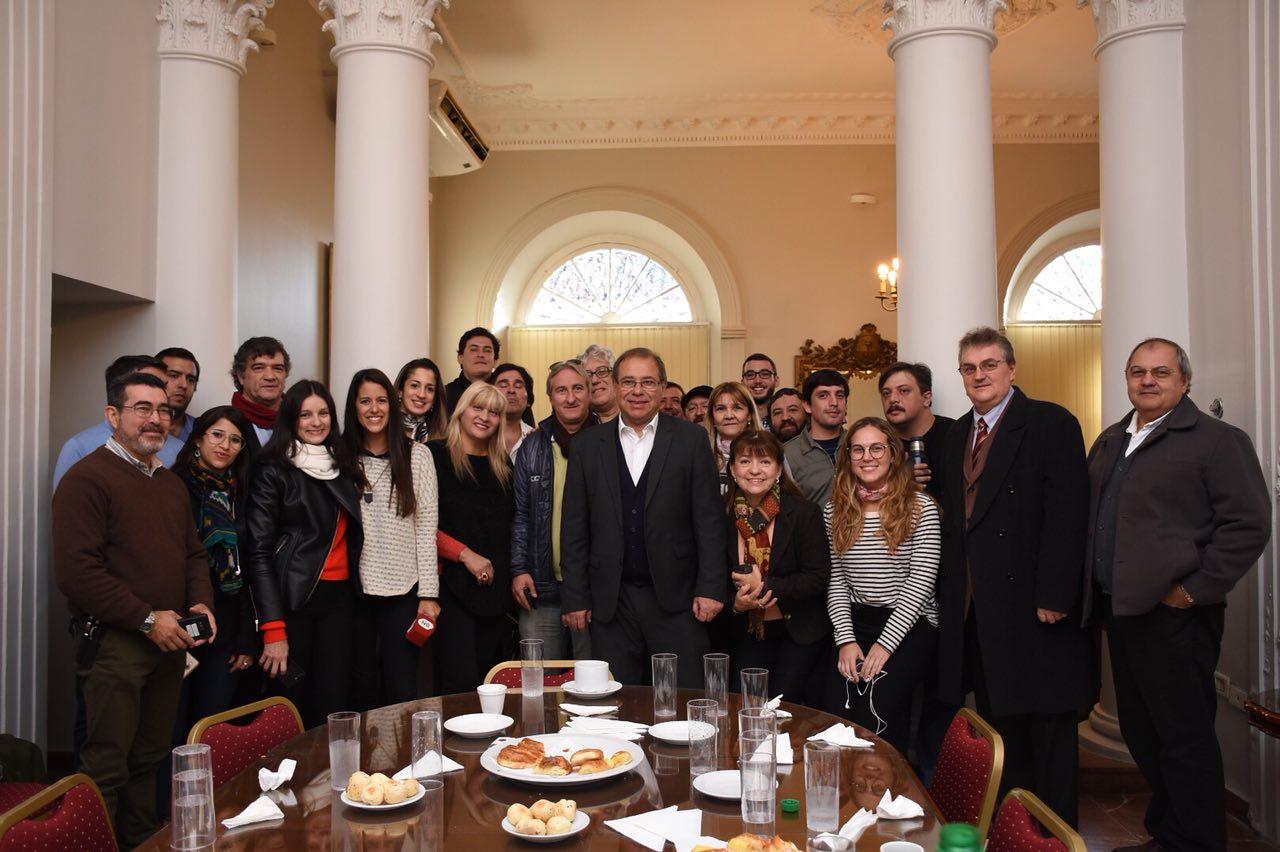 Eduardo Tassano compartió un desayuno con periodistas en su día