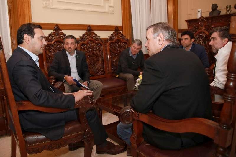 Valdés dialogó con representantes de la FEDECOOP para promover el desarrollo productivo