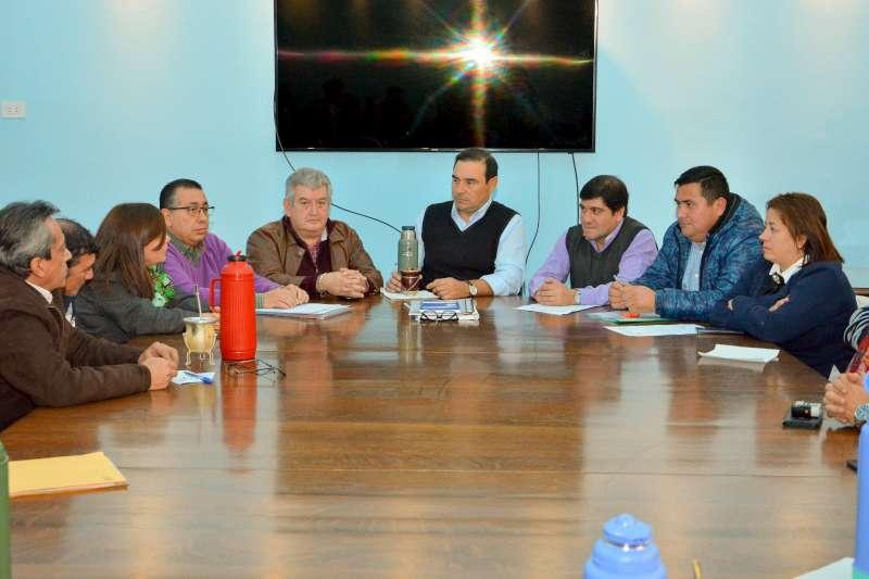 Valdés se reunió con representantes de diferentes gremios para abordar necesidades del sector